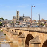 Ville de Nevers et Bords de Loire