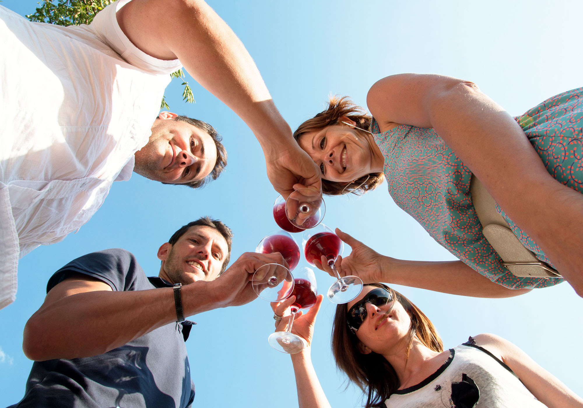 Dégustation de vin de Bourgogne entre amis