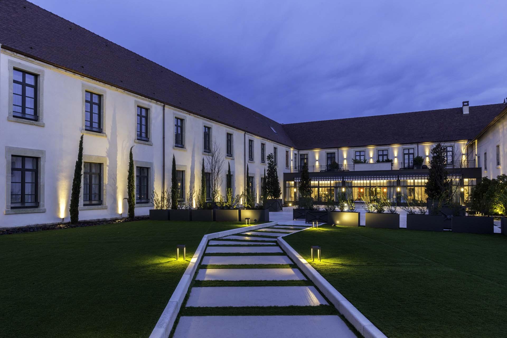 Hôtel-Spa les 7 Fontaines à Tournus