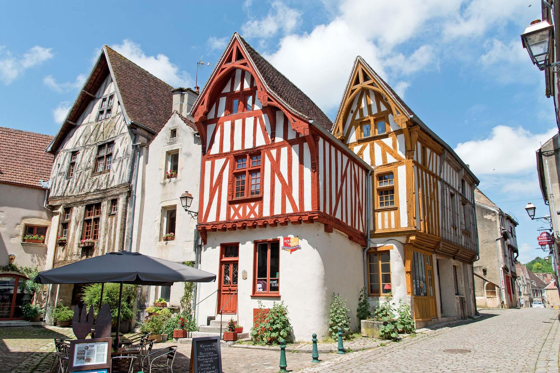 Maisons à colombages à Noyers-sur-Serein