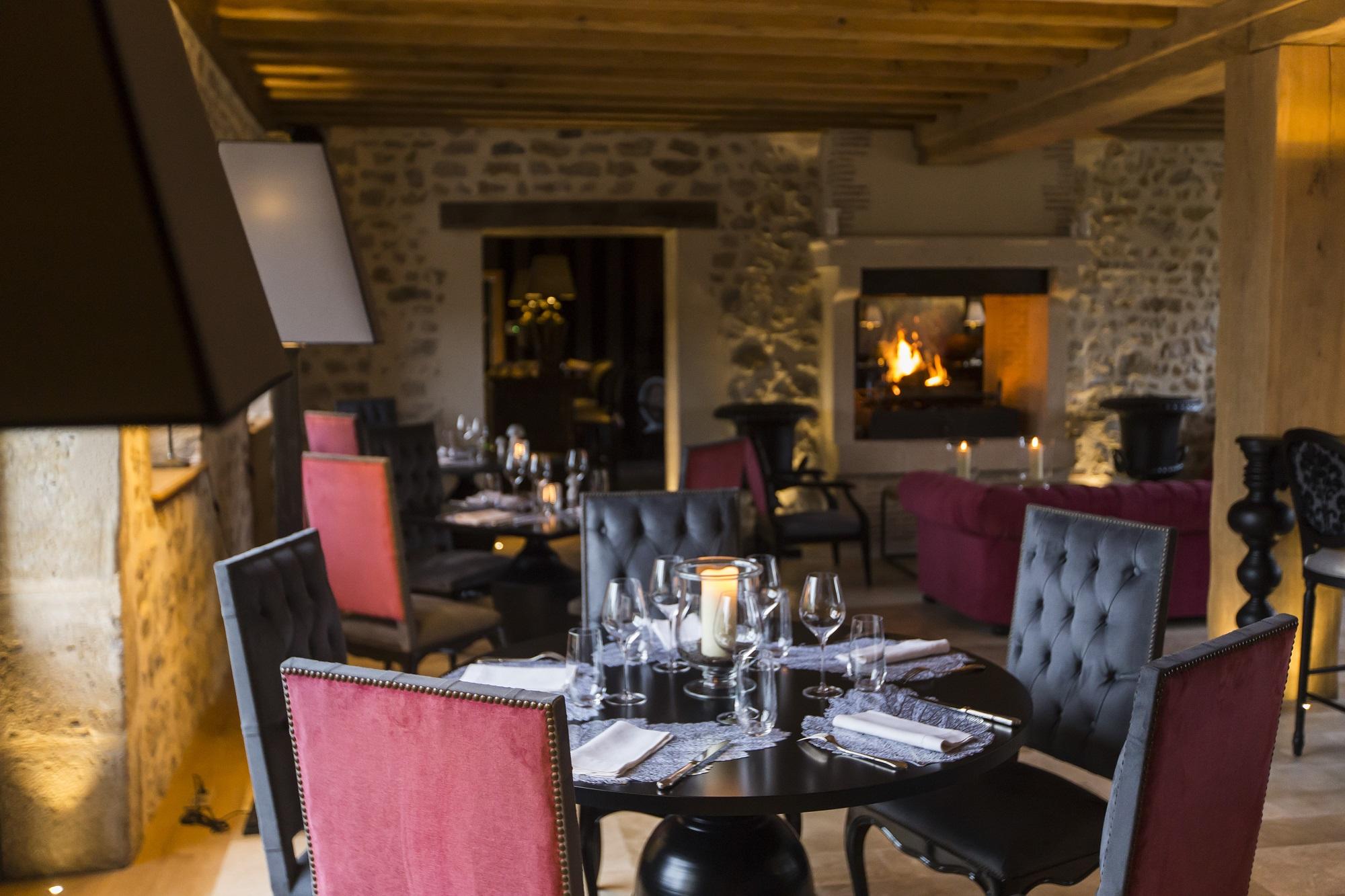 Salle du restaurant - Domaine de Rymska