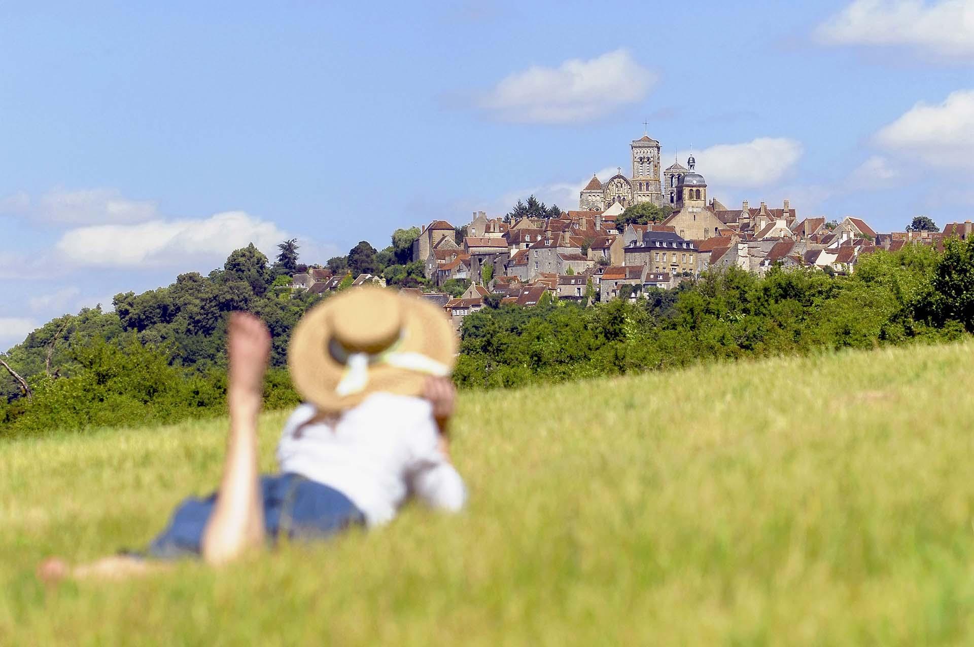 Village de Vézelay en été