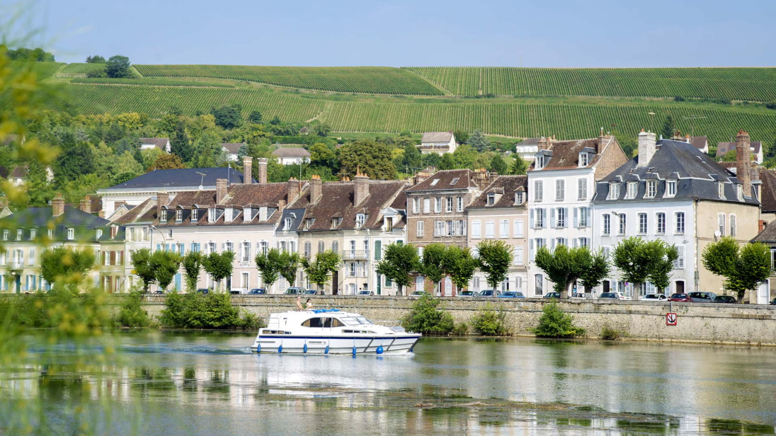 Bateau sur l'Yonne à joigny