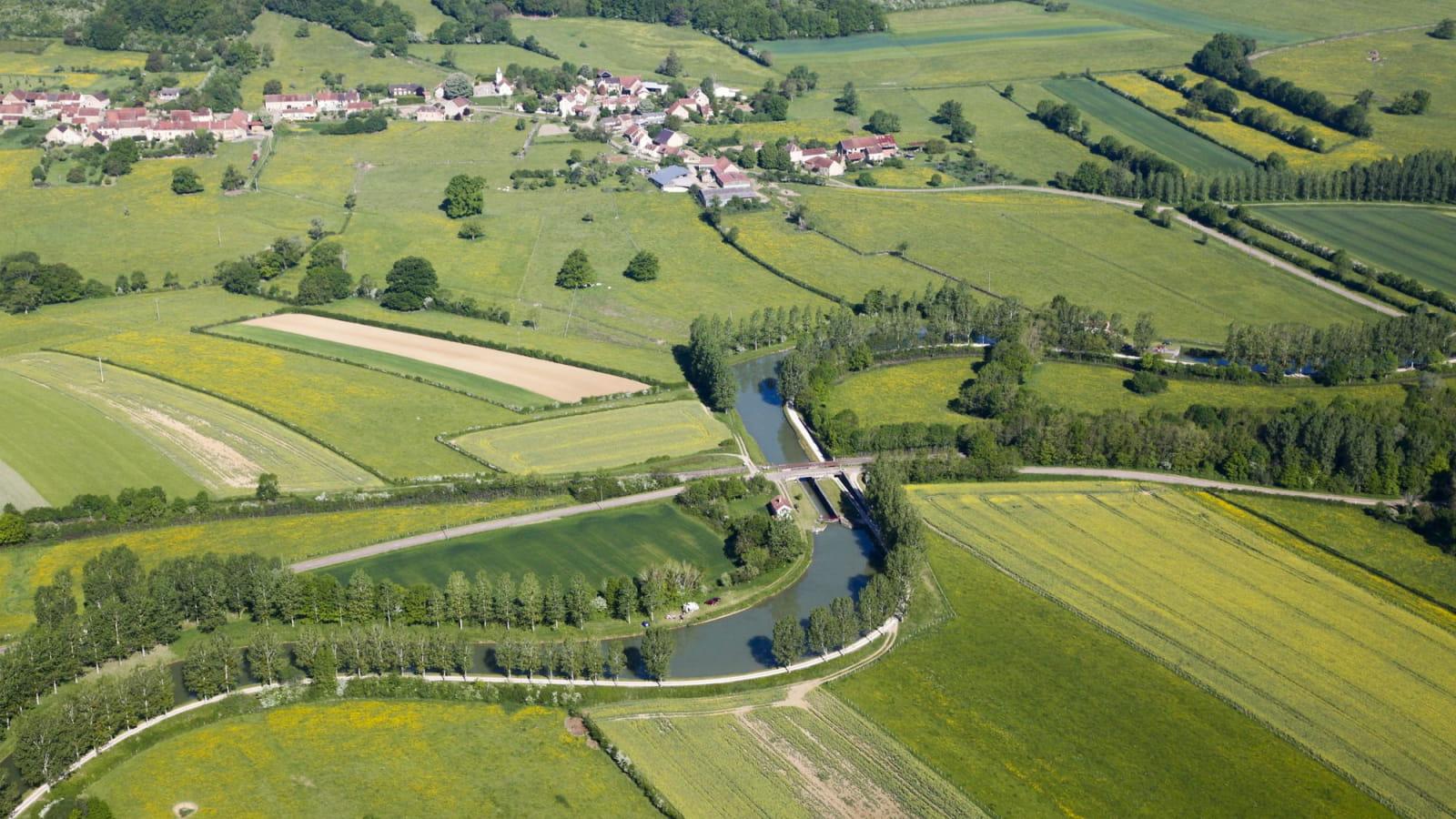 Canal de Bourgogne à Vandenesse-en-Auxois