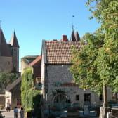 Châteauneuf-en-Auxois et le Canal de Bourgogne