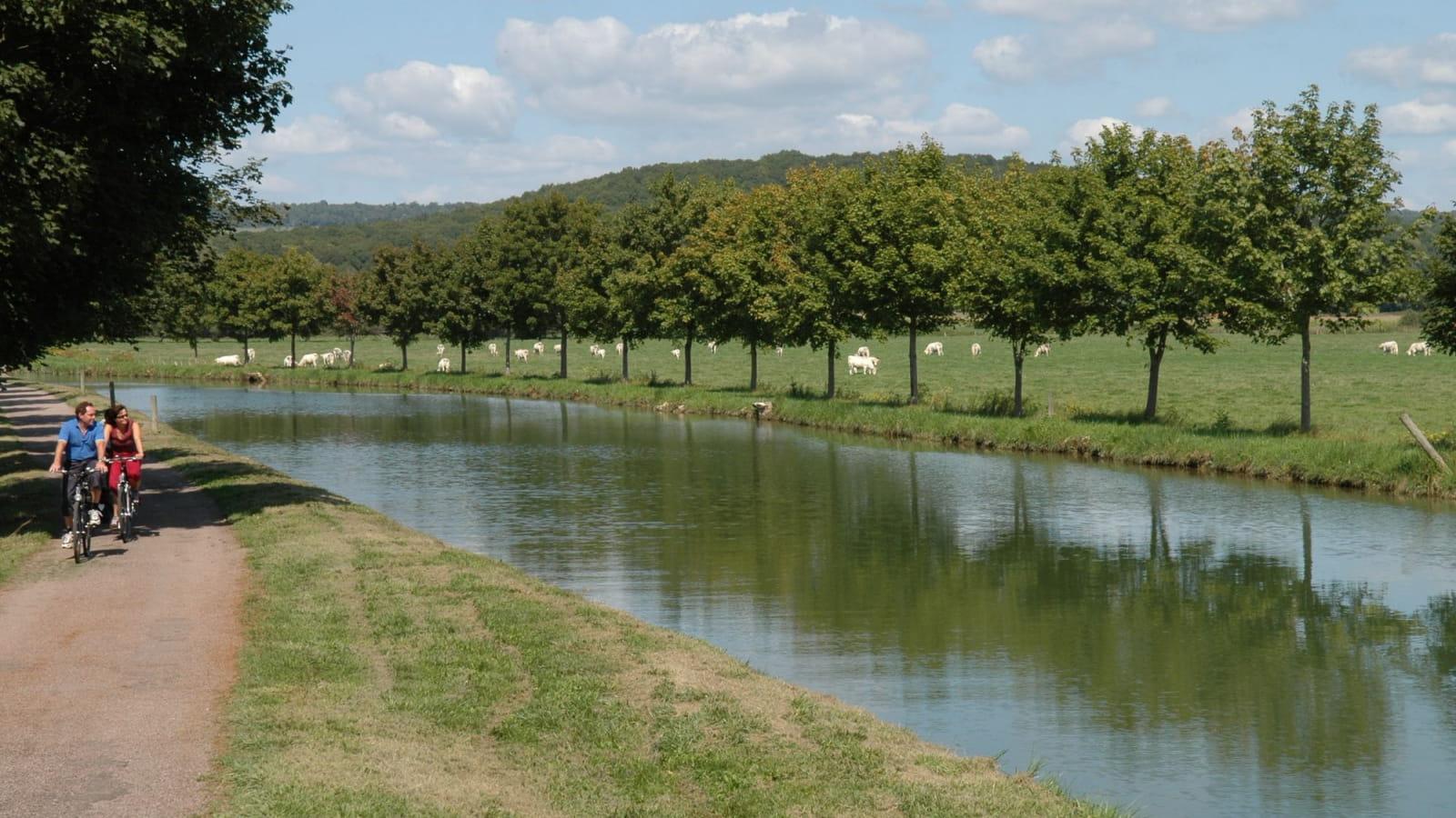 La Véloroute : Canal de Bourgogne autour de Saint-Thilbault et Semur-en-Auxois