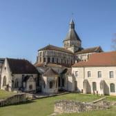 Eglise de la Charité-sur-Loire en automne