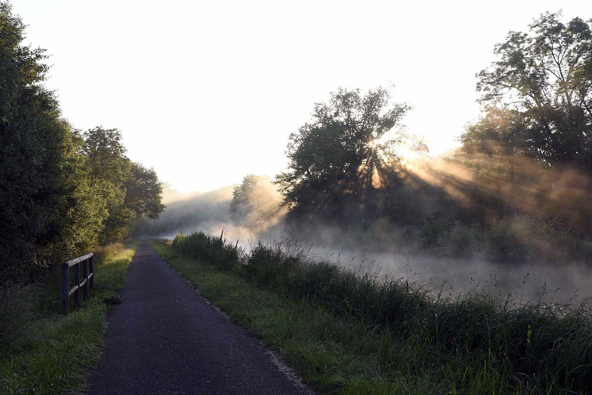 Voie verte le long du canal du Nivernais