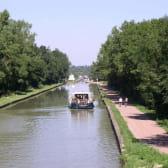 voie verte le long du canal latéral à la Loire