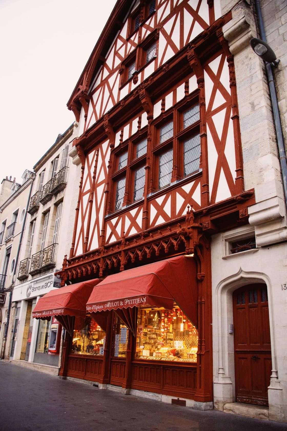 Devanture typique de la célèbre boutique dijonnaise