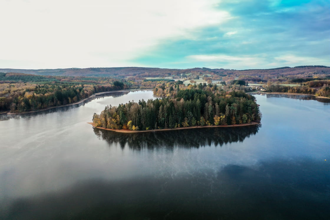 lac du Morvan à l'automne