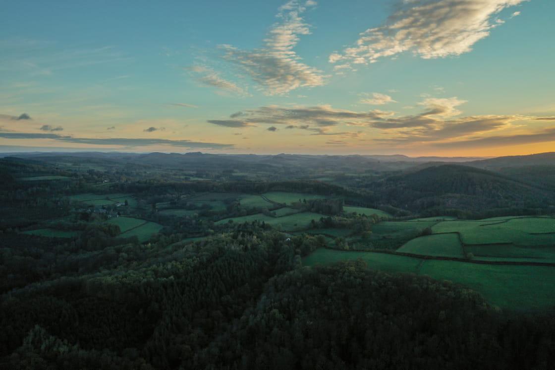 Les brumes automnales au-dessus de la campagne bourguignonne